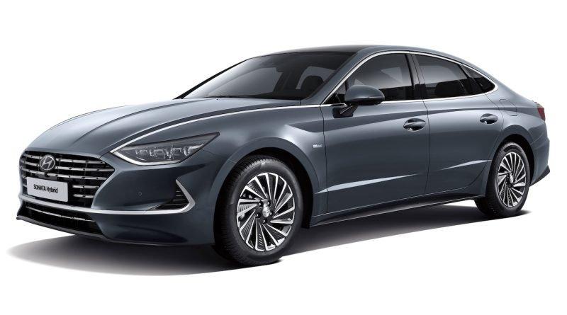 2020 Hyundai Sonata Hybrid Sports a Solar Panel Roof ...