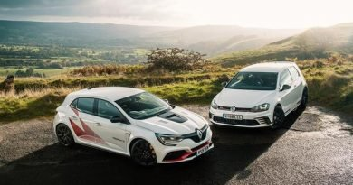 Megane R.S. Trophy-R vs. Golf GTI Clubsport S