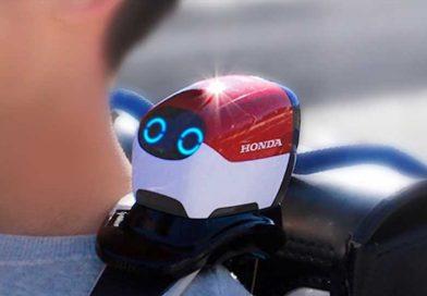 Honda's New Robot Buddy Helps Kids Cross Streets Safely