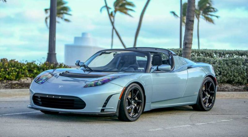 Clean First-Gen Tesla Roadster Sport Sells for $112,000 at Auction